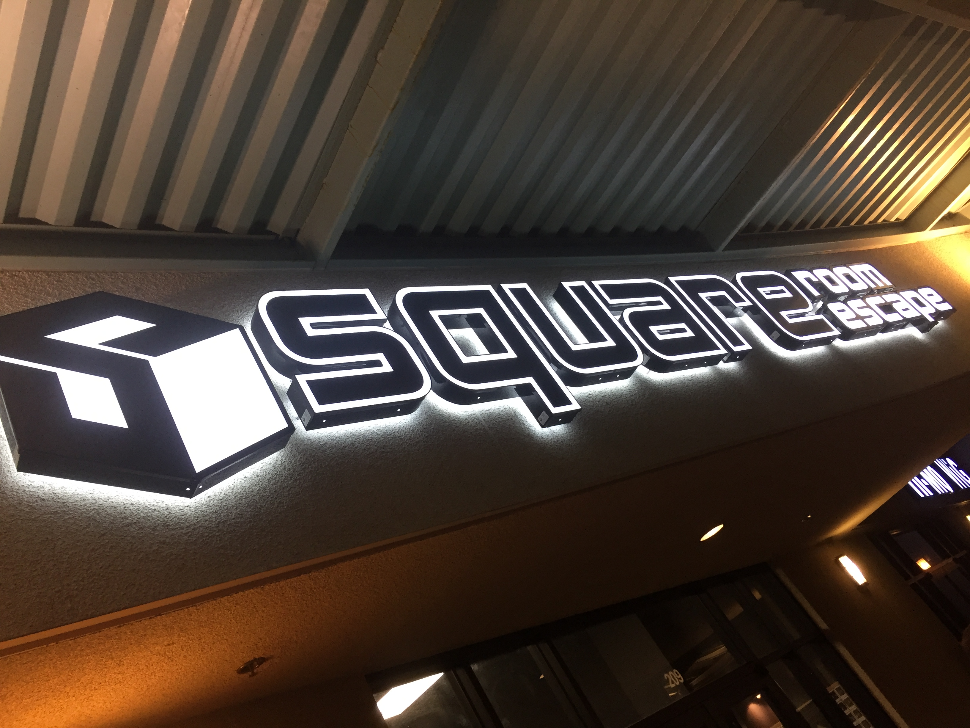 Review Square Room Escape Escape From The Chamber Of