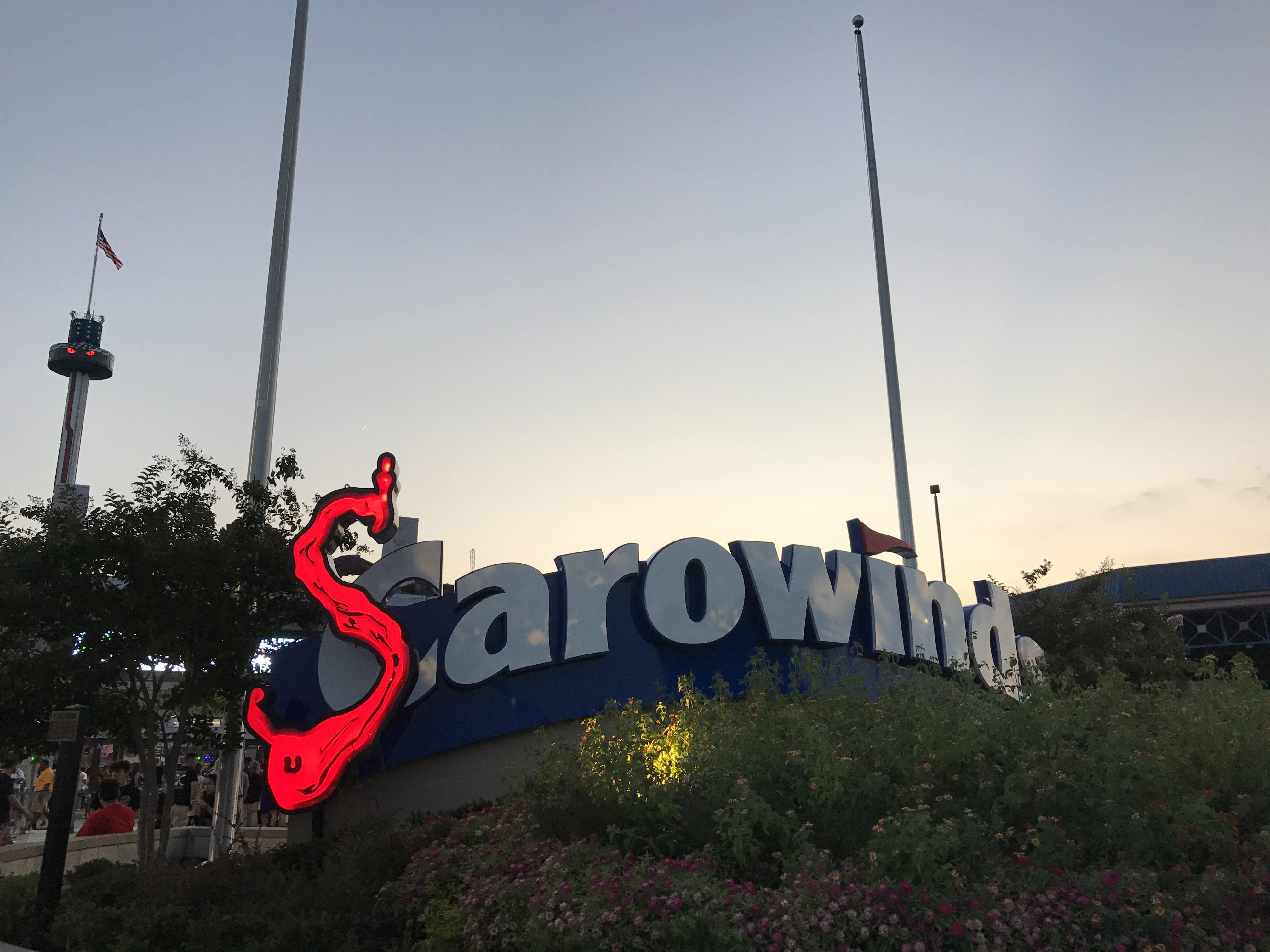 The all new amusement park has been recently launched on 25thMarch, The waterpark is all set to open on May 21, and the SCarowinds is set to be launched on September 26th, One of the best facilities you will find here is the online booking of tickets.
