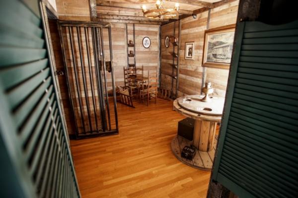Deadwood Saloon in Masterpiece Escapes