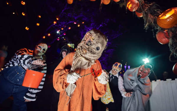 pay the price thats the murderous moral of the five twisted stories in trick r treat a darkly hilarious tribute to halloween - Price Of Halloween Horror Nights